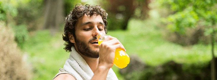 Banner: Guy drinking juice