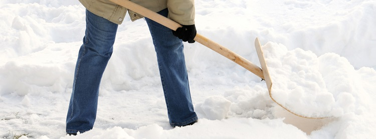 Image: Snow shoveling safety tips